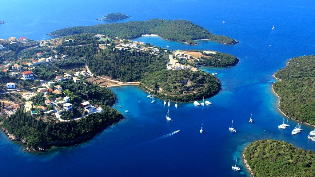 Luxury Yacht Charter in Corfu Windweaver