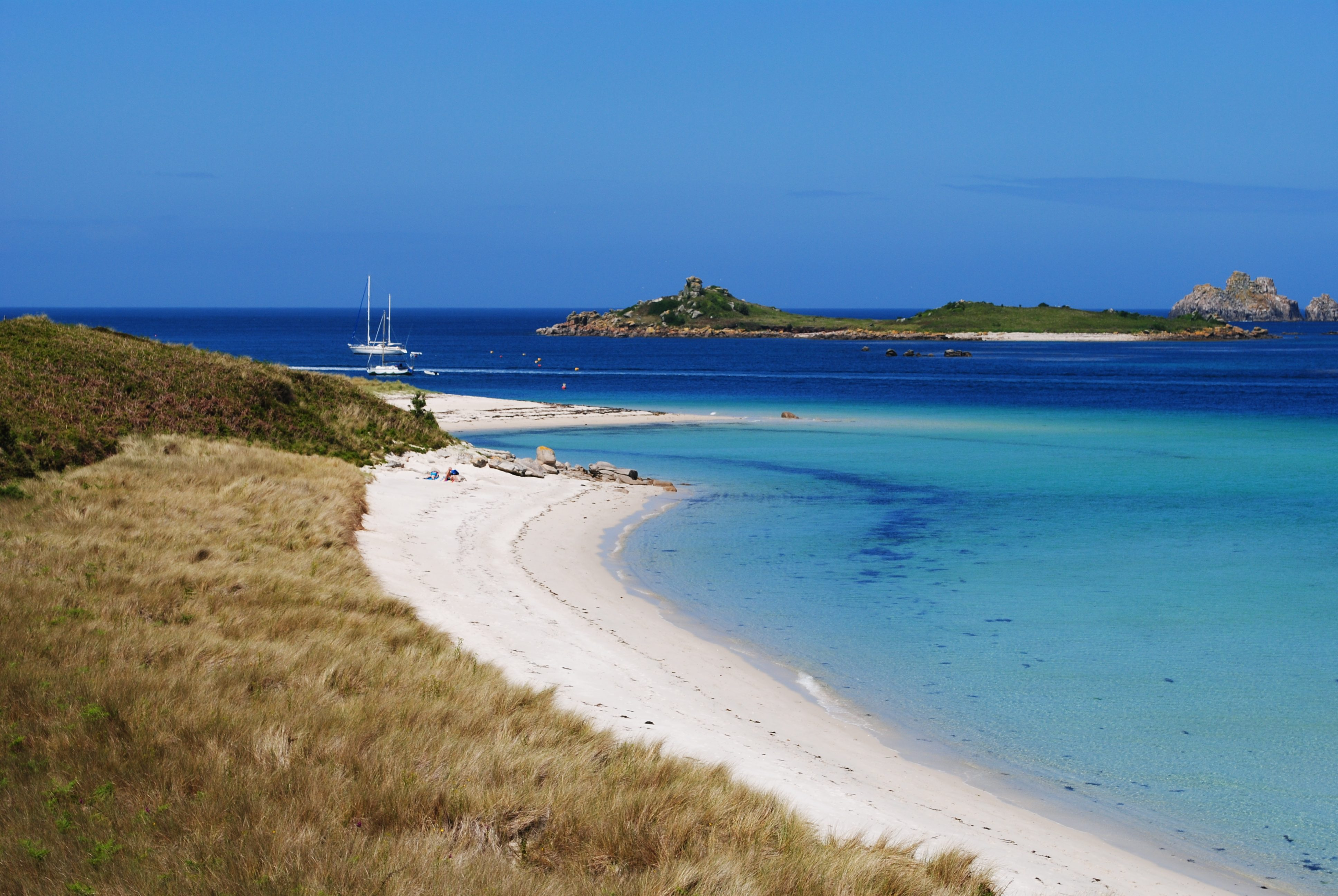 private yacht charter isles of scilly